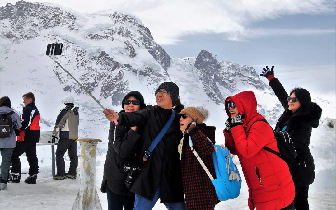 Top 5 Benefits of Group Travel